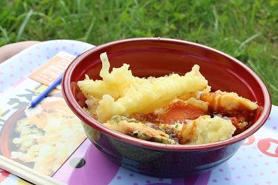 チーズとサーモンの天ぷらが新しい食感を生んだ「大樹チーズサーモン丼」。圧倒的な支持を得て、ご当地グルメグランプリの総合優勝に輝きました