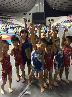 全国少年少女レスリング選手権大会では、出場した全員が入賞を果たしました!