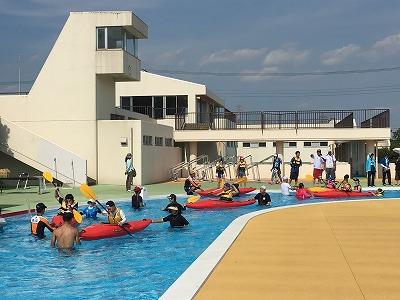7月10日には天気が回復。大勢の参加者がカヌーを楽しみました