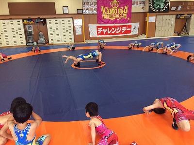国際公認マットで練習に励む子供たち。ぜひ、オリンピックを目指してもらいたいものです