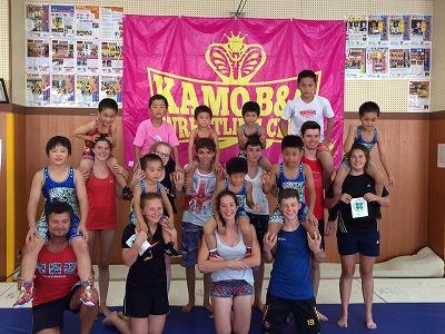 新マットはドイツ製! 雲南市に来たドイツのスポーツ少年団ともレスリングで交流しました