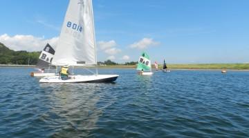 ヨットの向きや帆の張り方を丁寧に教わりました