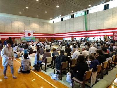 大勢の参加者で賑わった敬老会のお祭り。さまざまな年齢層の方々が交流を深め合いました