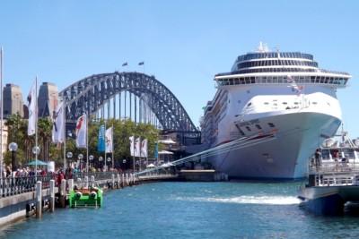 生活のなかに海が溶け込んだ街、シドニー。大型客船も頻繁に訪れます
