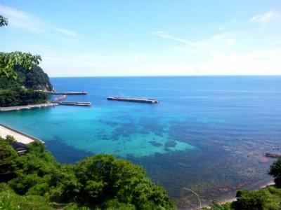 京都府宮津市の入江。安全の知恵を身に付けたうえで接すれば、海は人生を豊かにしてくれます