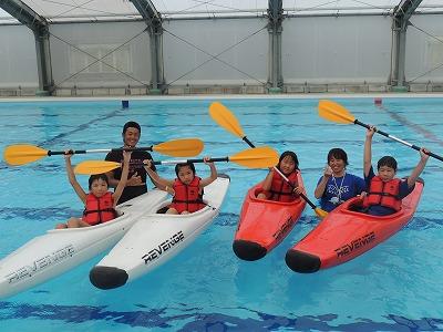 翌日はプールでカヌーを楽しみました!