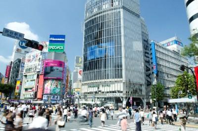 多くの若者が集まる東京。その代わり、地方の人口が減ってしまいます