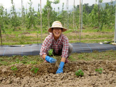 幼い頃から農業に心惹かれ、高校生の時から日本各地の農家さんを訪れていました