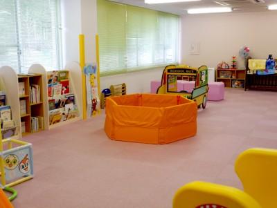 ミーティングルームは子供たちに大人気のプレイルームに大変身