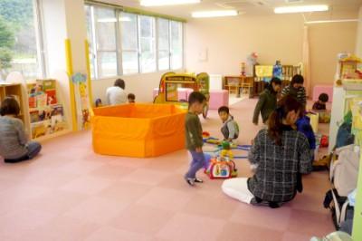 ミーティングルームもキッズスペースとなり子育てママさんのコミュニティーもできる(コミュニティ付加改修事業より)