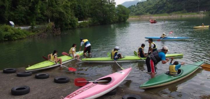 パドルの漕ぎ方、カヌーの乗り方説明