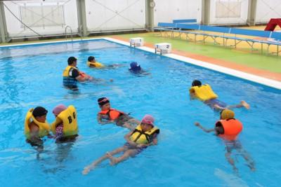 ライフジャケット浮遊体験