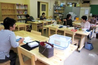 中津川市付知B&G海洋センターでは、学習スペースやミニ図書館を新たに設置し、絵手紙サークルなどを開催している。幅広い世代での多様な利用へ広がりつつある