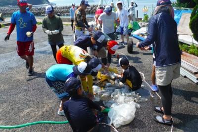 B&G艇庫前の横見の浜を清掃、クリーンフェスティバルの後はごみの分別、環境学習
