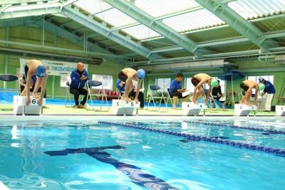 個人メドレー100。安定感のあるきれいな泳ぎで、後輩たちのお手本