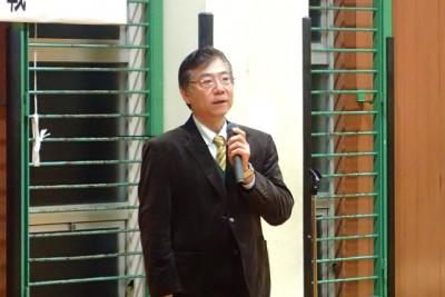 祝辞を述べる古山B&G財団常務理事