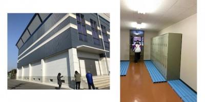 左:横島体育館の外壁コンクリートひびの数チェック。外壁状況とチェック項目を確認 右:天水体育館内、施設点検項目を追加して細かい場所をチェック