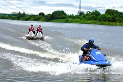 バナナボート体験の様子
