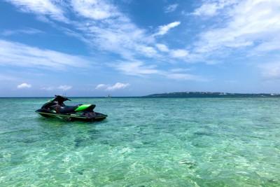 美しい沖縄の海の画像