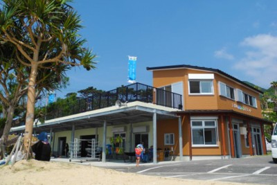 改修後の天城町B&G海洋センターの外観。がらりとイメージチェンジ