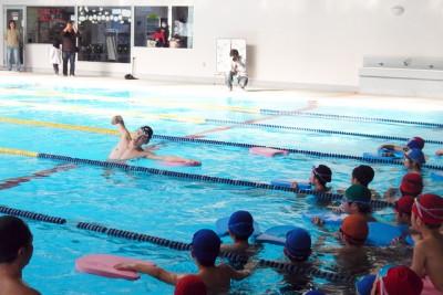 江原選手の見本泳法に、時が止まったような会場