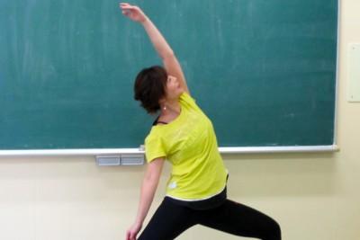 バレトン講師の中楯早織先生。体の動きが違います。