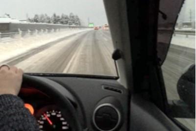 ドライブ中の写真