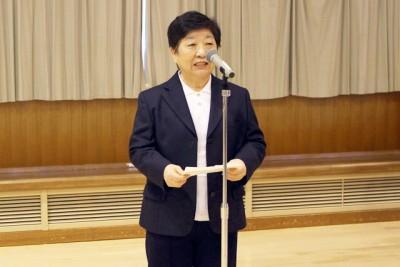 開会式で岩見沢ママさんバレーボール連盟会長があいさつ
