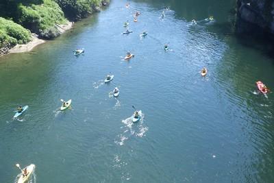 皆さんとても上手に漕げていました(笠岩橋から)