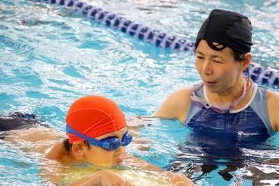 競技風景。アスリートたちがいい泳ぎを見せてくれました!