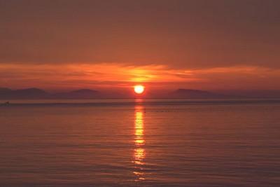 知床半島の夕日