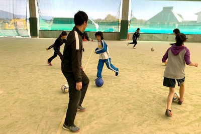 遊びの要素を入れつつ体験(サッカー)