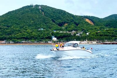 須磨沖の瀬戸内海をモーターボートで颯爽と