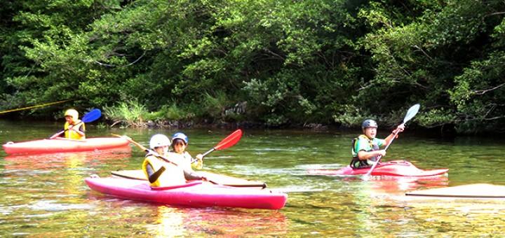 郷土の清流「大又川」で気持ち良くカヌーを体験