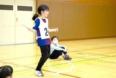 縄跳びの回数を競う「早まわしとび」はなんと二重とび禁止!