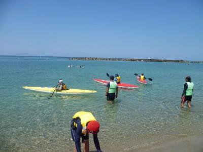 日本の渚100選「竹野浜」も平日は貸し切り状態でした。