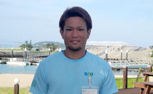 伊江村B&G海洋センター指導員 渡久地 真吾さん