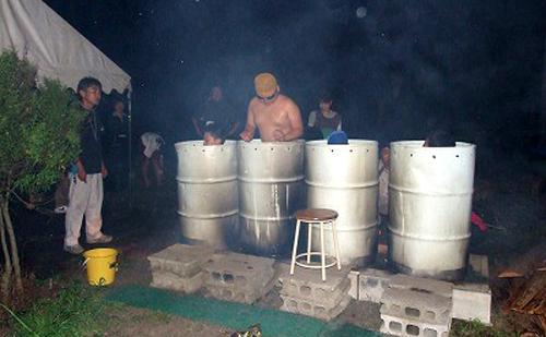大自然のなかでドラム缶風呂を楽しもう!
