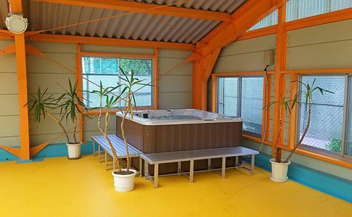 利用者増を期待して、海洋センターにジャグジープールを導入!