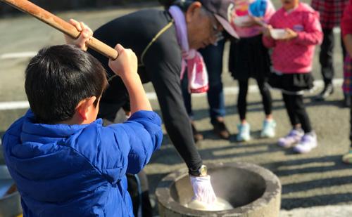 地域で新春交流!長洲町B&G海洋センターで「新春餅つき大会」