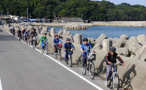 島ならでは海も山も楽しめる!中島一周サイクリング〜松山市B&G中島海洋クラブ
